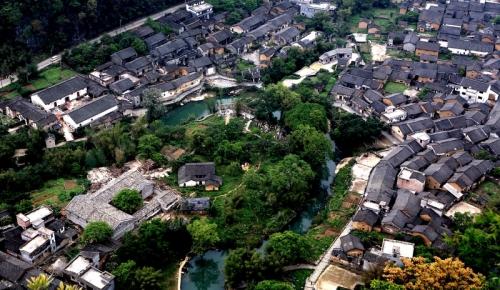 贺州:以创建全域旅游 推动生态健康产业发展