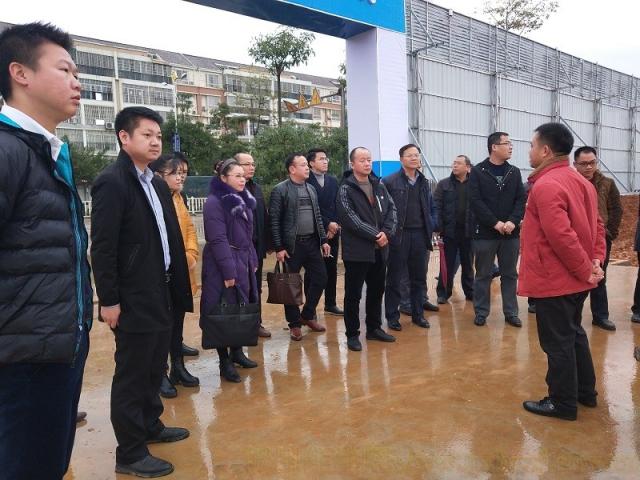 我市棚户区改造项目考察小组赴鹿寨县参观学习棚户区改造工作